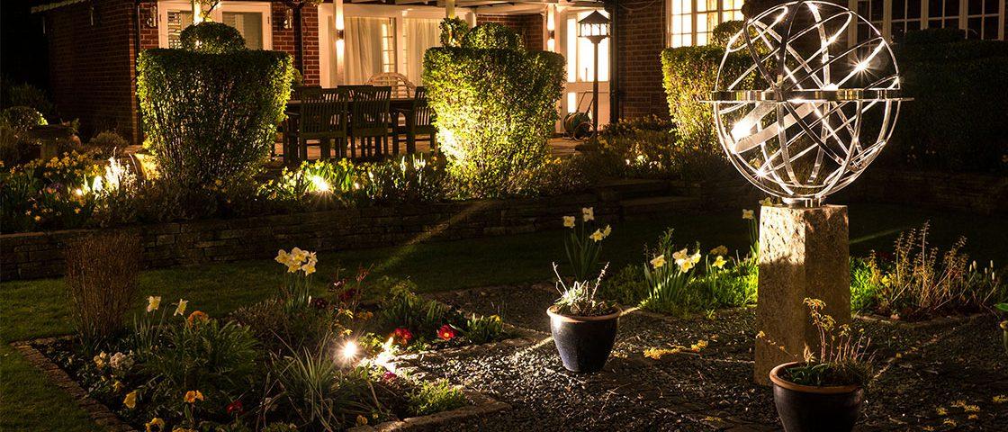 GardenLighting-Case_Study_Page-Liz_Didsbury-1